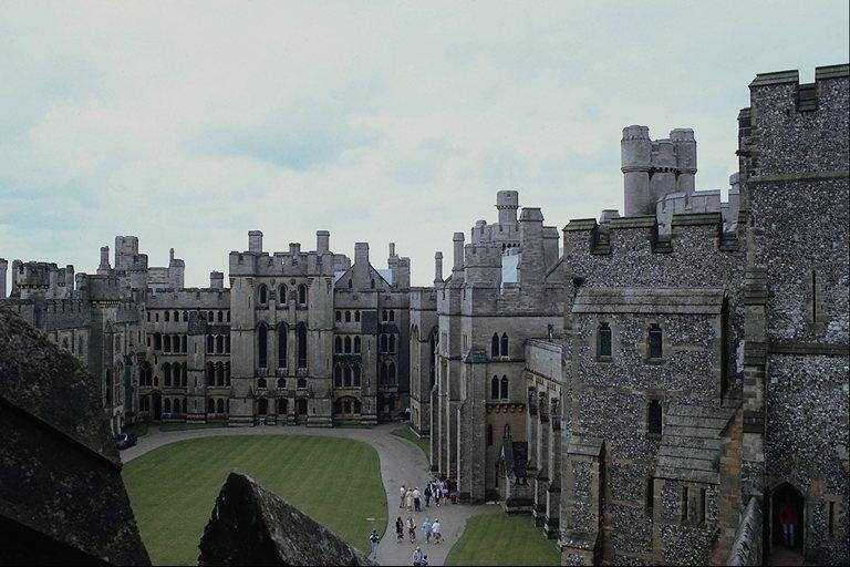 Панорама замка 768x512 82KB Архитектура замок