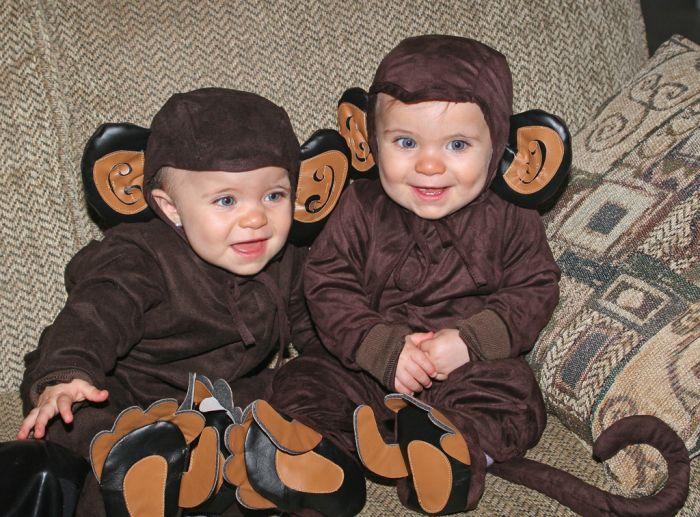 Детишки-обезьянки 700x517 128KB костюм