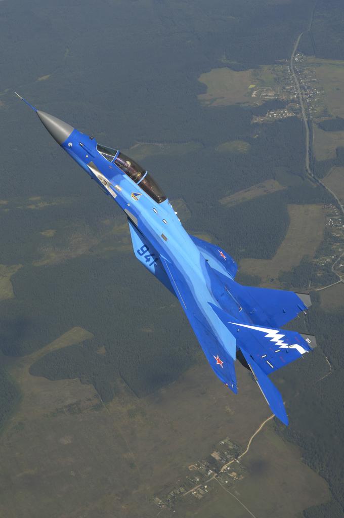 Обои и картинки 680x1024 476KB Военные самолёты