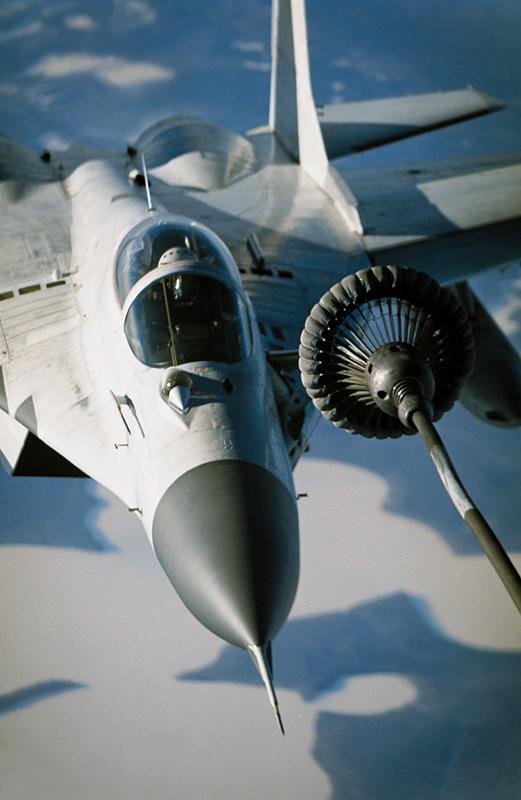 Обои и картинки 521x800 131KB Военные самолёты