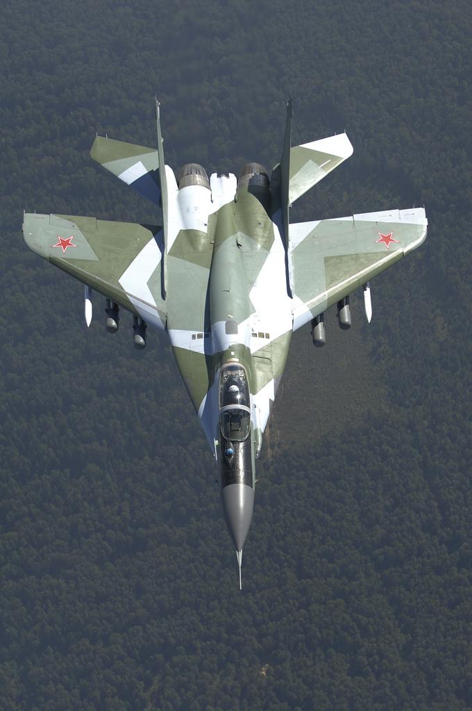 Обои и картинки 680x1024 479KB Военные самолёты