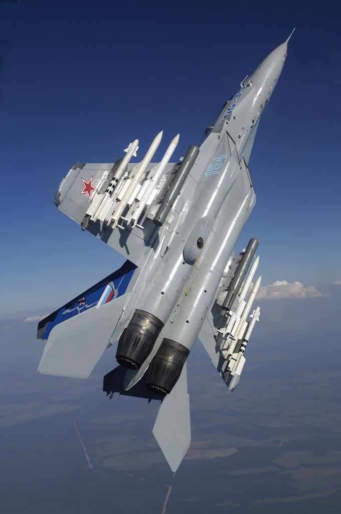 Обои и картинки 680x1024 375KB Военные самолёты